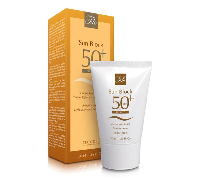 Envase Gold Skin SPF 50 Oil Free, crema facial de protección solar
