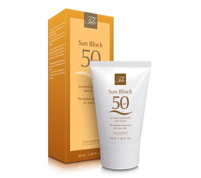 Envase Gold Skin SPF 50, crema facial de protección solar
