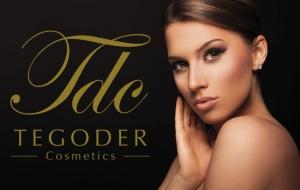 Logo Tegoder Cosmetics con chica