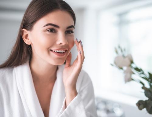 La mejor rutina de limpieza de la piel grasa
